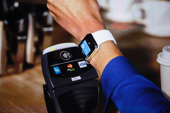 Технологія Apple Pay із Apple Watch