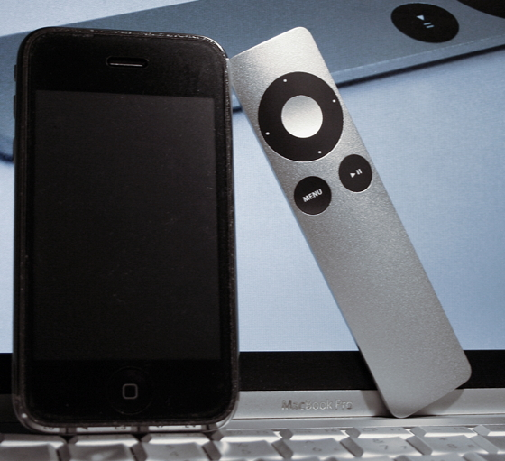 iPhone та пульт