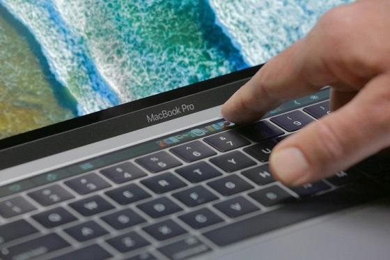 Користувачі можуть налаштовувати Touch Bar в залежності від своїх потреб