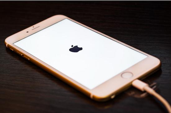 «1.1.1970» или почему не стоит переводить время в iPhone на 46 лет назад