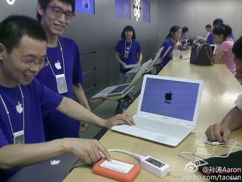 Почините мой поддельный MacBook или о толерантности работников Apple Store