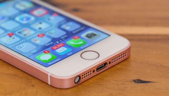 Отличный старт: iPhone SE пользуется большим спросом
