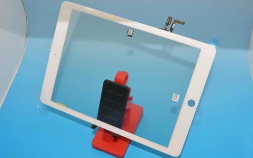 Появились качественные фото лицевой панели iPad 5
