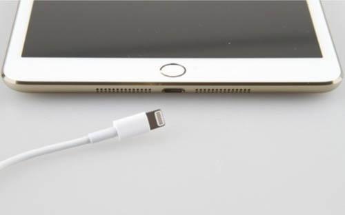 Появились фото «золотого» iPad mini 2 со сканером отпечатка пальца