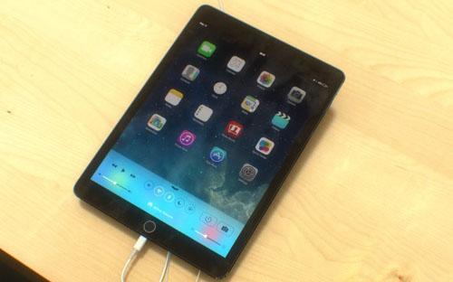 Качественные рендеры iPad 5 в Apple Store