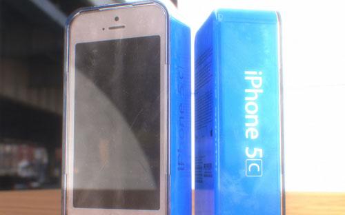 Появилось фото упаковки iPhone 5C