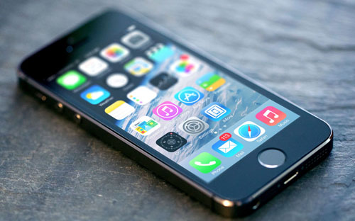 «iPhone 5S» стал третьим по популярности запросом в Google 2013