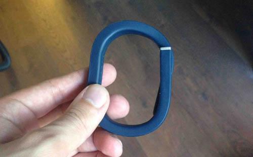 Как правильно одевать Jawbone UP
