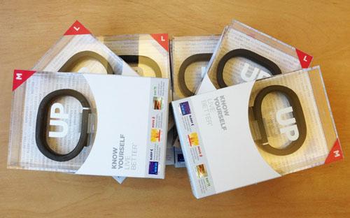 Новенькие Jawbone UP ждут своих покупателей!