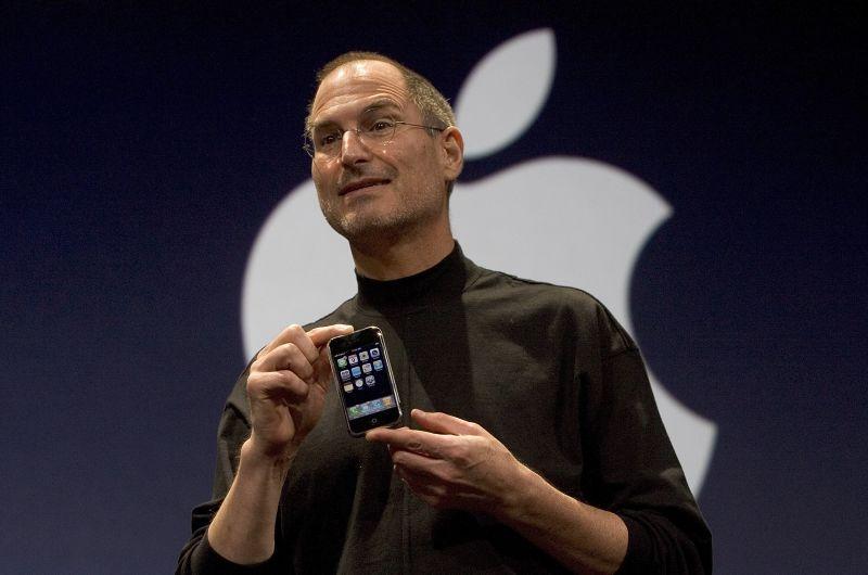 Флешбек про iPhone, або як помиляються експерти