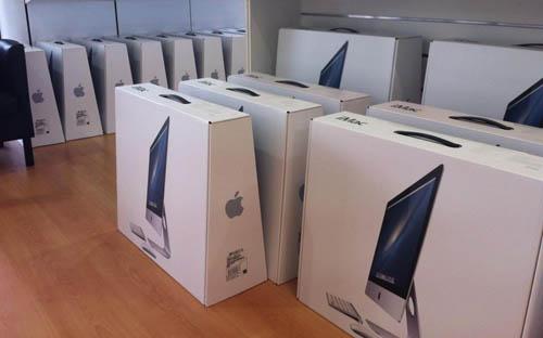 Первые партии новых iMac приехали в магазины США