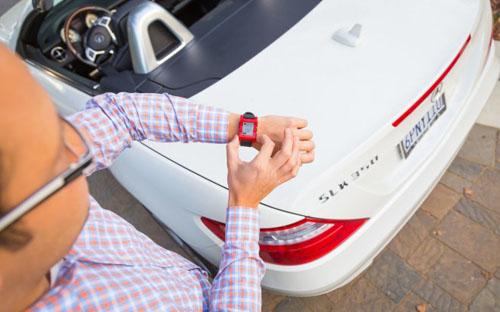 Pebble Smartwatch получат интеграцию с автомобилями Mercedes-Benz