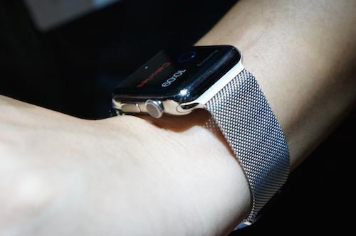 Apple Watch получит экран Retina и другие факты из SDK