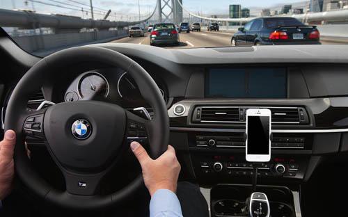 Все модели BMW 2014 года выпуска получат поддержку Siri Eyes Free