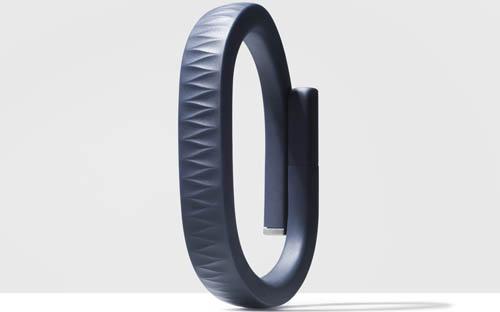 К нам приехали черные и темно-синие Jawbone UP