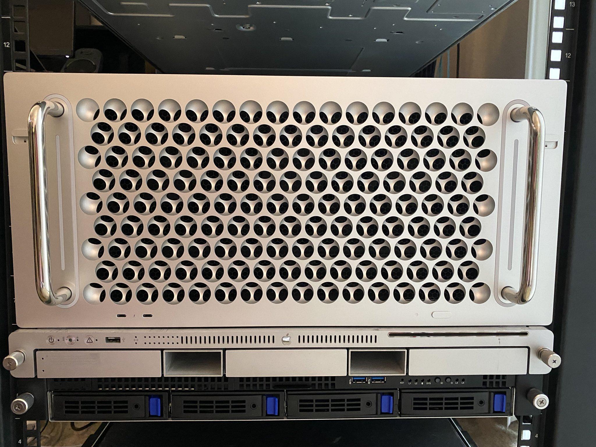 Mac Pro у рековому(серверному) виконанні
